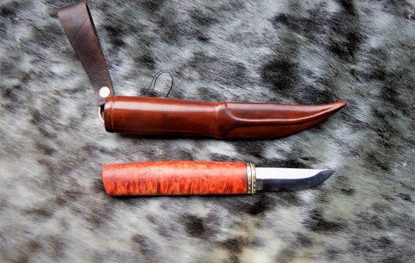 n:o43 Nikkaripuukko ( hinta 140€ )